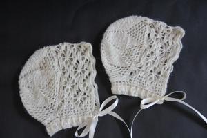 alipyper - vintage style crocheted baby bonnets